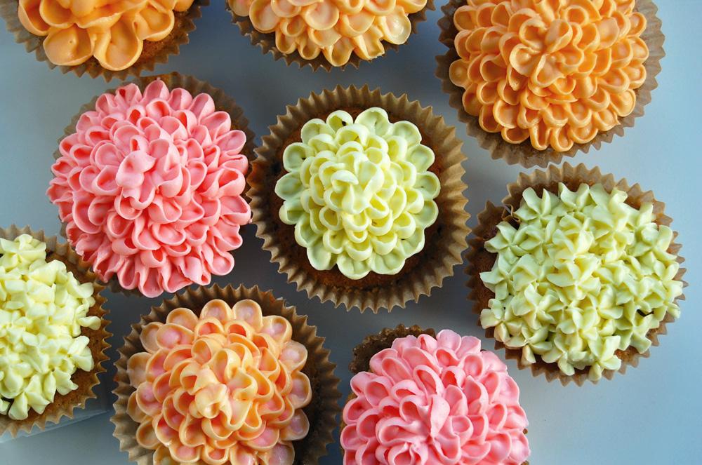Copenhagen-cakes-banancupcakes-blomster-frosting