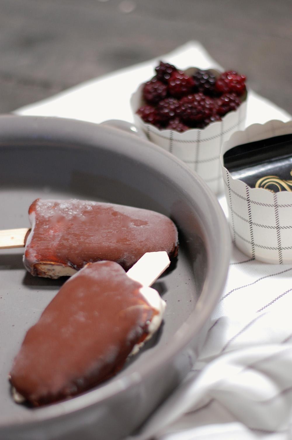 Copenhagen-cakes-kaempe-eskimo-med-after-eight-og-brombaer-3