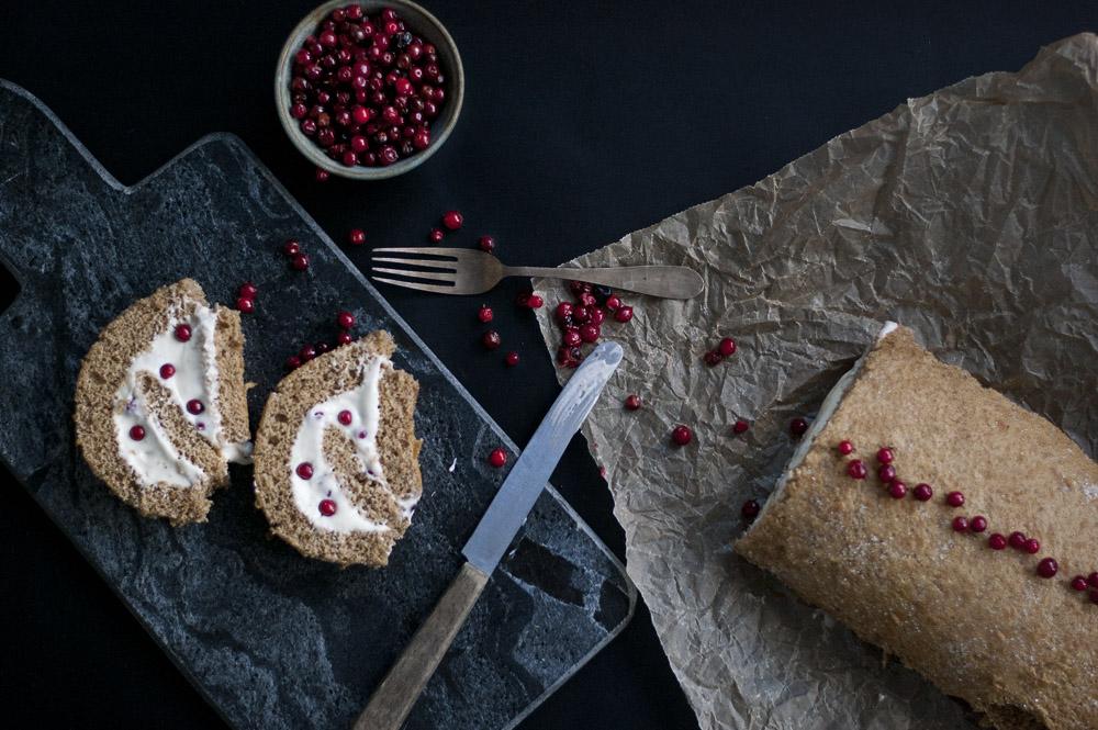 Julekrydret roulade med tyttebær Copenhagen Cakes 2